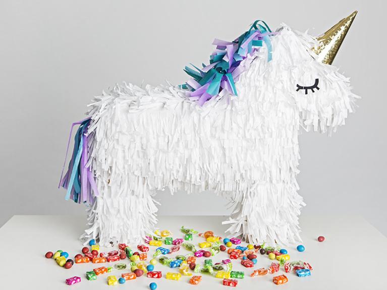 5 tips para organizar una fiesta de unicornios. Black Bedroom Furniture Sets. Home Design Ideas